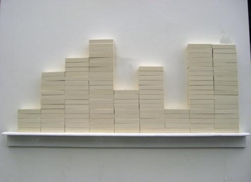 PIHLA EMPTINESS, 2009 120 gommes 55 x 30 x 2 cm œuvre unique