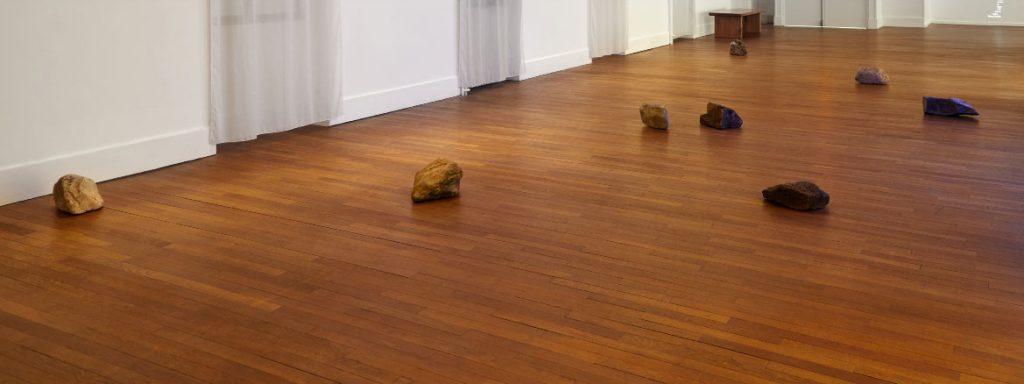 2015, installation, stones  (Exhibition view, Archipel, Musée de l'Abbaye Sainte-Croix, Les Sables d'Olonne, 2018)