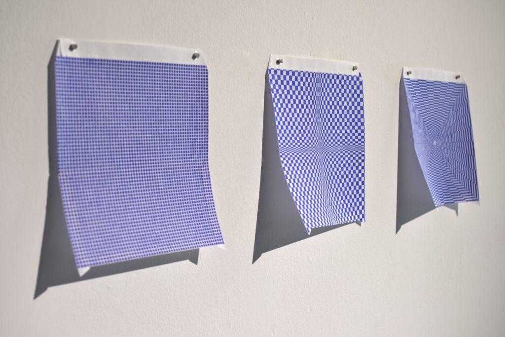 2019, stylo bleu sur papier, 20 x 20 cm, oeuvre unique