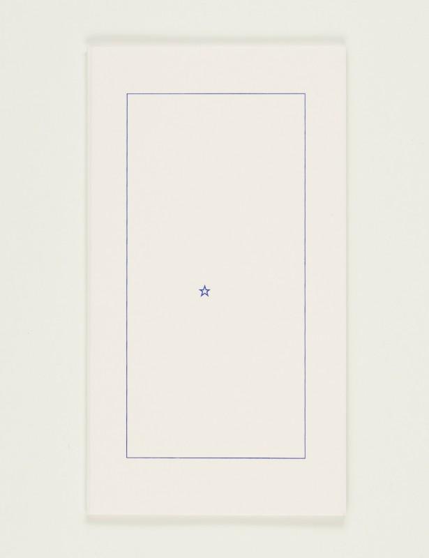 2008, édition brochée, 10 x 18 cm, 20 pages imprimées sur papier vélin 90g, couverture sérigraphiée, édition de 80 exemplaires numérotés et signés <br> <br> Conçu d'après L'image de Samuel Beckett paru aux éditions de Minuit (1988), ce livre en conserve le format, la typographie, la mise en page, l'impression et le papier. Mais si le texte original de Beckett ne comporte aucun signe de ponctuation, cette version ne garde que la ponctuation. La spatialisation du texte reste fidèle à l'original : les points et les virgules ponctuent l'espace et redonnent naissance aux mots de manière fantomatique.