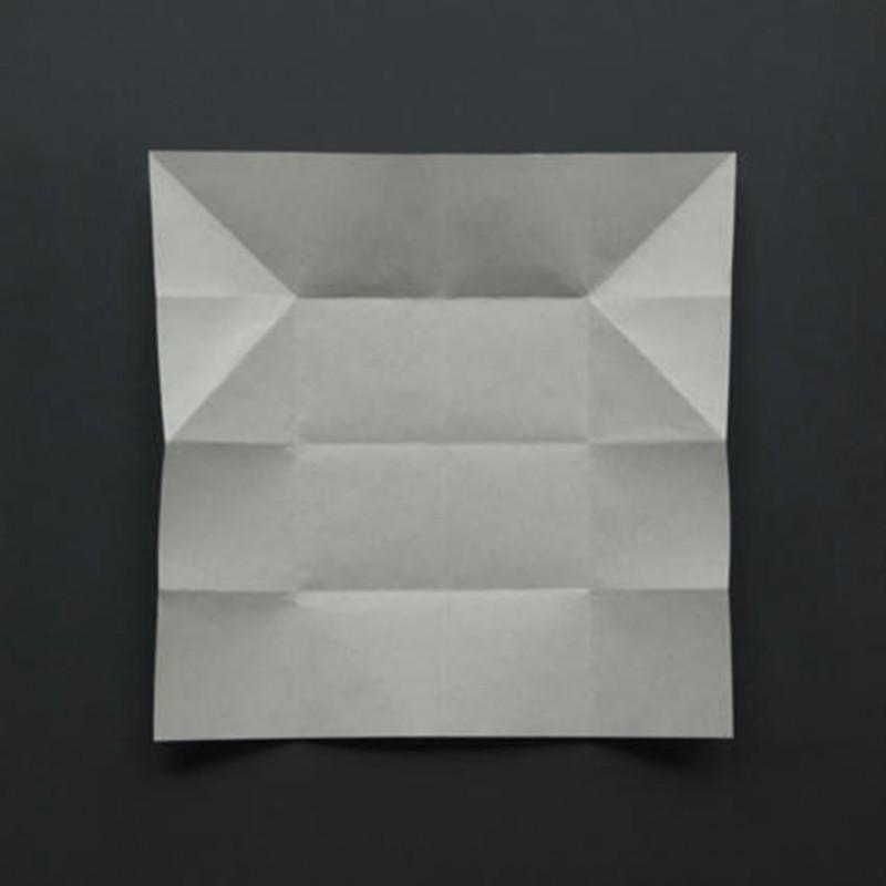 2011 14 photographies couleur tirages jet d'encre sur papier baryté 25 x 25 cm chacun édition de 3