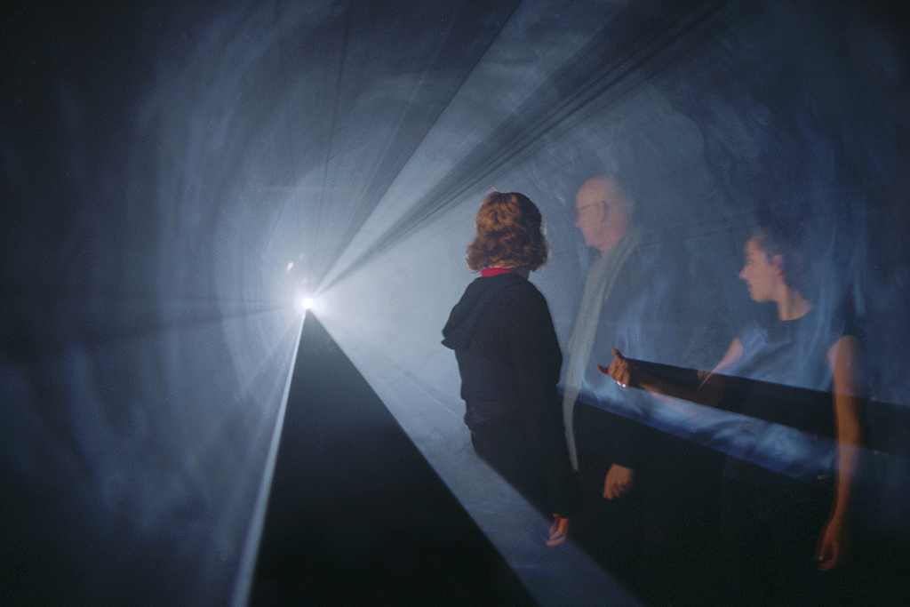 1973, installation (horizontal, single), 16 mm film, black-and white, silent, 30 minutes, open edition <br> <br> The fird of the « solid light » films. Shown in an empty space, the film consists of the coming-into-being of a three dimensional, projected cone of light in the space between the projector and the wall.