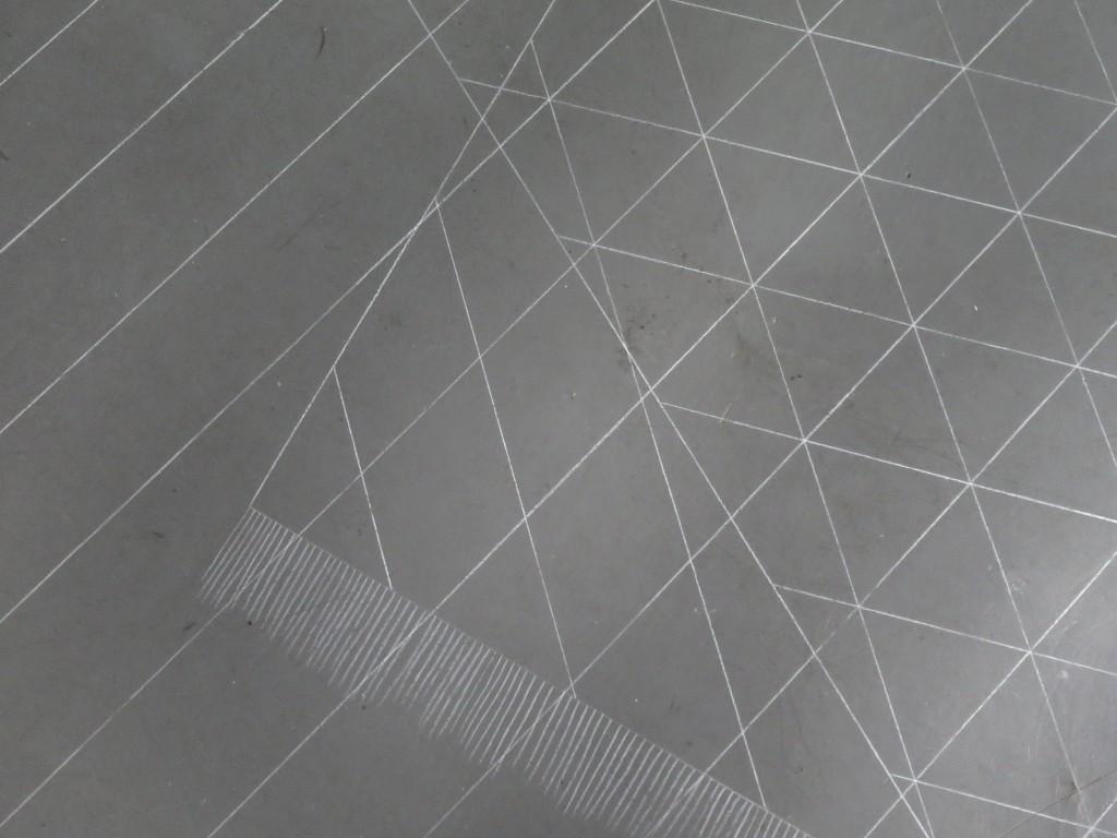 (detail) 2016, dessin au sol, pastel blanc, 390 x 350 cm, oeuvre unique avec plan de montage