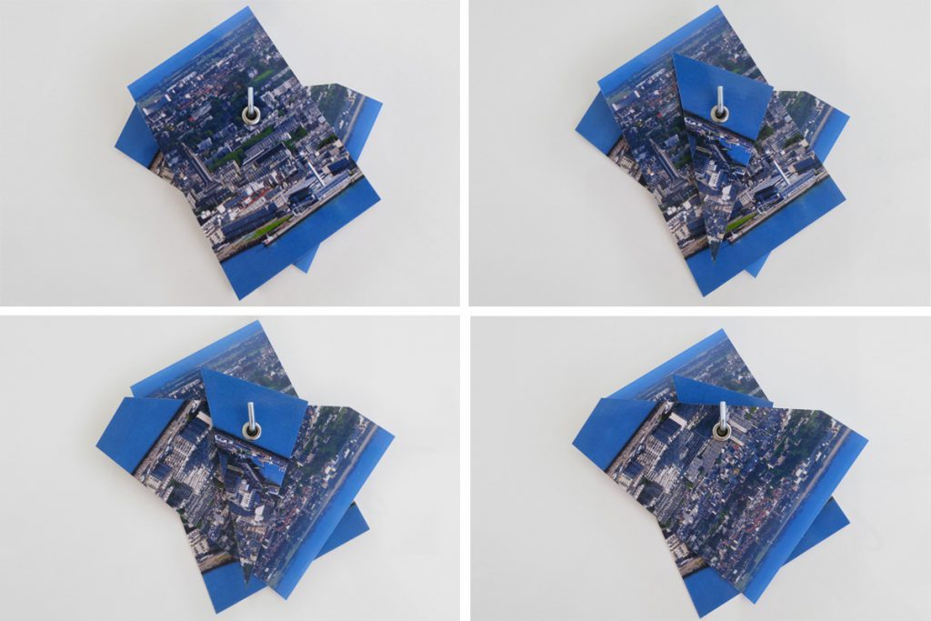 2016, carte postale, oeillets, accroche métallique, dimensions
