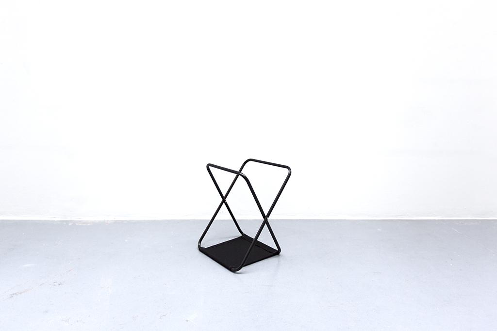 LIGNE DE MIRE #3 2015 black textile and metal 50 x 40 x 35 cm unique work in a serie
