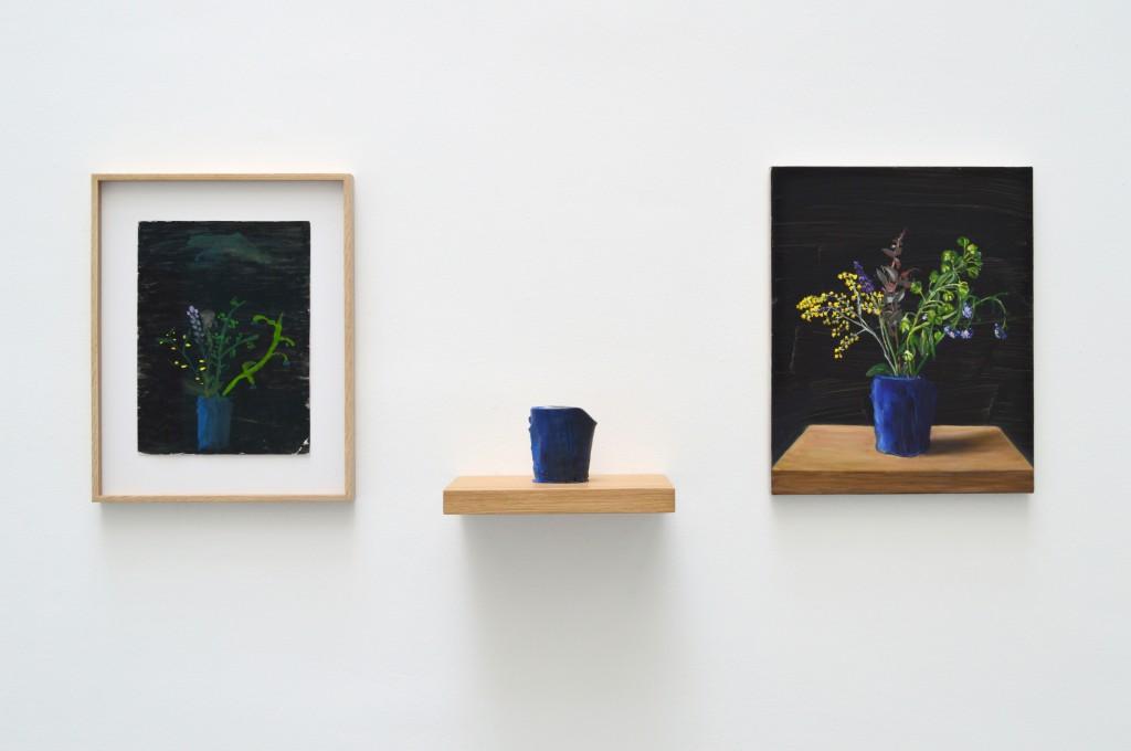 FORGET ME NOT, 1987 – 2014, triptyque, dessin d'enfant sur papier, pot en argile peint, huile sur toile, 50 x 40 x 2 cm / 40 x 30 cm / 12 x 5 cm, oeuvre unique