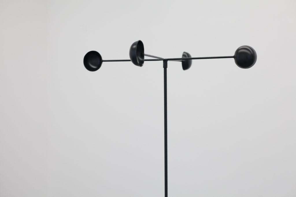 INTO THE DOLDRUMS, 2018, Métal peint, 160 x 47 x 47 cm