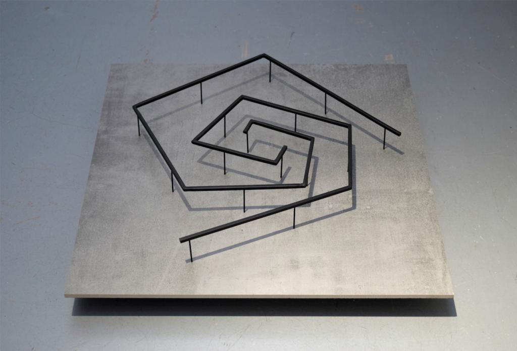 DES TOURS, 2020 painted steel, 60 x 60 cm, unique work